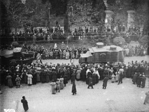 """საქართველოს შეიარაღებული ძალების """"გარფორდისა"""" და """"ოსტინის"""" ფირმის ჯავშანმანქანები რუსთაველის გამზირზე, სამხედრო აღლუმზე მსვლელობისას. 1920 წელი <br> Georgian armed force's - Garford and Austin branded armored cars on military parade on Rustaveli avenue. 1920"""