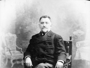 """იაკობ გოგებაშვილი  (1840-1912) - მწერალი, პუბლიცისტი, პედაგოგი, საზოგადო მოღვაწე.<br> ქართველთა შორის წერა-კითხვის გამავრცელებელი საზოგადოების ერთ-ერთი დამფუძნებელი, ქართული სასკოლო სახელმძღვანელოების  - """"დედაენა"""", """"ბუნების კარი"""" ავტორი.<br> Iakob Gogebashvili (1840-1912) - writer, publicist, teacher, public figure. <br> One of the founders of the Georgian Literacy Society, the author of Georgian textbooks - """"Deda Ena"""", """"Bunebis Kari""""."""