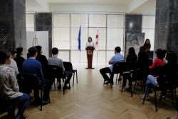 Interns of the National Archives were awarded with Certificates