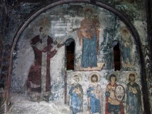რატი სურამელის ფრესკა, ვარძია, ღვთისმშობლის მიძინების ტაძარი, XII საუკუნე<br>Rati Surameli fresco, Vardzia, church of Dormition, XII century