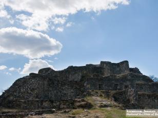ციხე დმანისის ნაქალაქარში. ფოტო: გიორგი კაკაბაძე. 2015 წელი<br>The castle in the Dmanisi old settlement. Photo by Giorgi Kakabadze. 2015