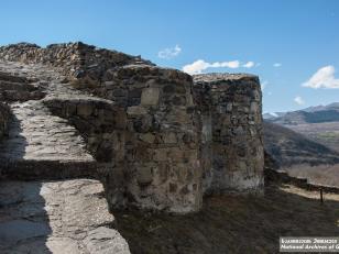 დმანისის ნაქალაქარის გალავანი. ფოტო: არმენ პეტროსიანი. 2015 წელი<br>The curtain wall of Dmanisi old settlement. Curtain wall. Photo by Armen Petrosian. 2015