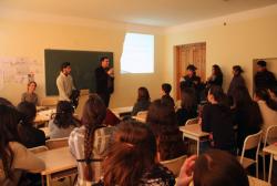 საქართველოს პირველი რესპუბლიკის თემაზე საჯარო სკოლებში პრეზენტაციები დაიწყო
