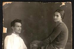 რეპრესირებული ოსი მწერლის ფოტოები მისმა შვილმა ეროვნულ არქივს გადასცა
