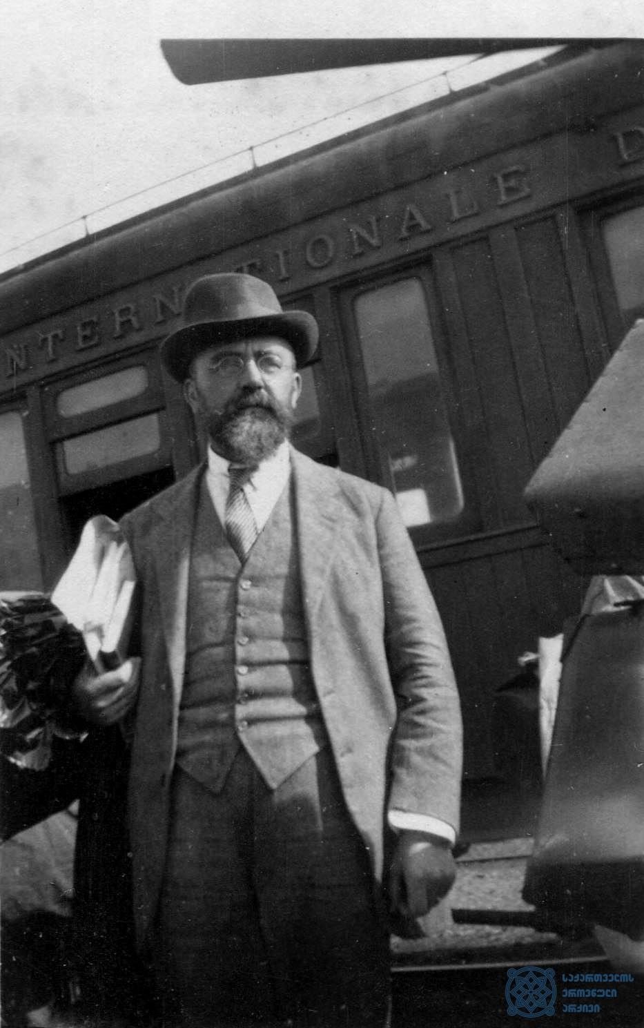ბელგიელი სოციალისტი ლუი დე ბრიუკერი საქართველოში. 1920 წლის სექტემბერი.<br> Belgian Socialist Lui de Bruker in Georgia. September 1920.