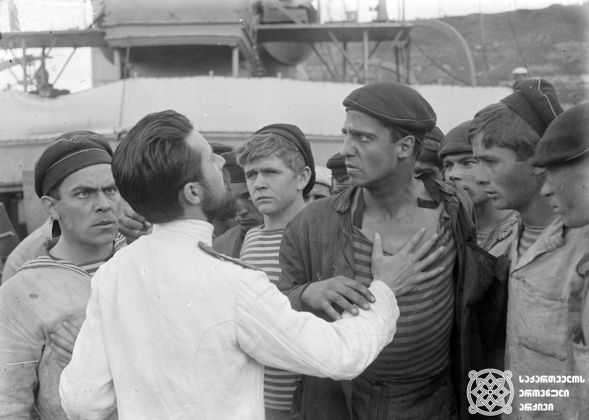 მეცხრე ტალღა. 1926. <br> რეჟისორი: ვლადიმერ ბარსკი. <br>  სცენარის ავტორები: სერგეი გარინი, პეტრე მორსკოი.  ოპერატორი: ანტონ პოლიკევიჩი. <br>   Metskhre Talgha (The Ninth Wave). 1926. <br>  Director: Vladimi Barsky. <br>  Screenwriters: Sergei Garin, Petre Morskoi.  Camera operator: Anton Polikevich. <br>