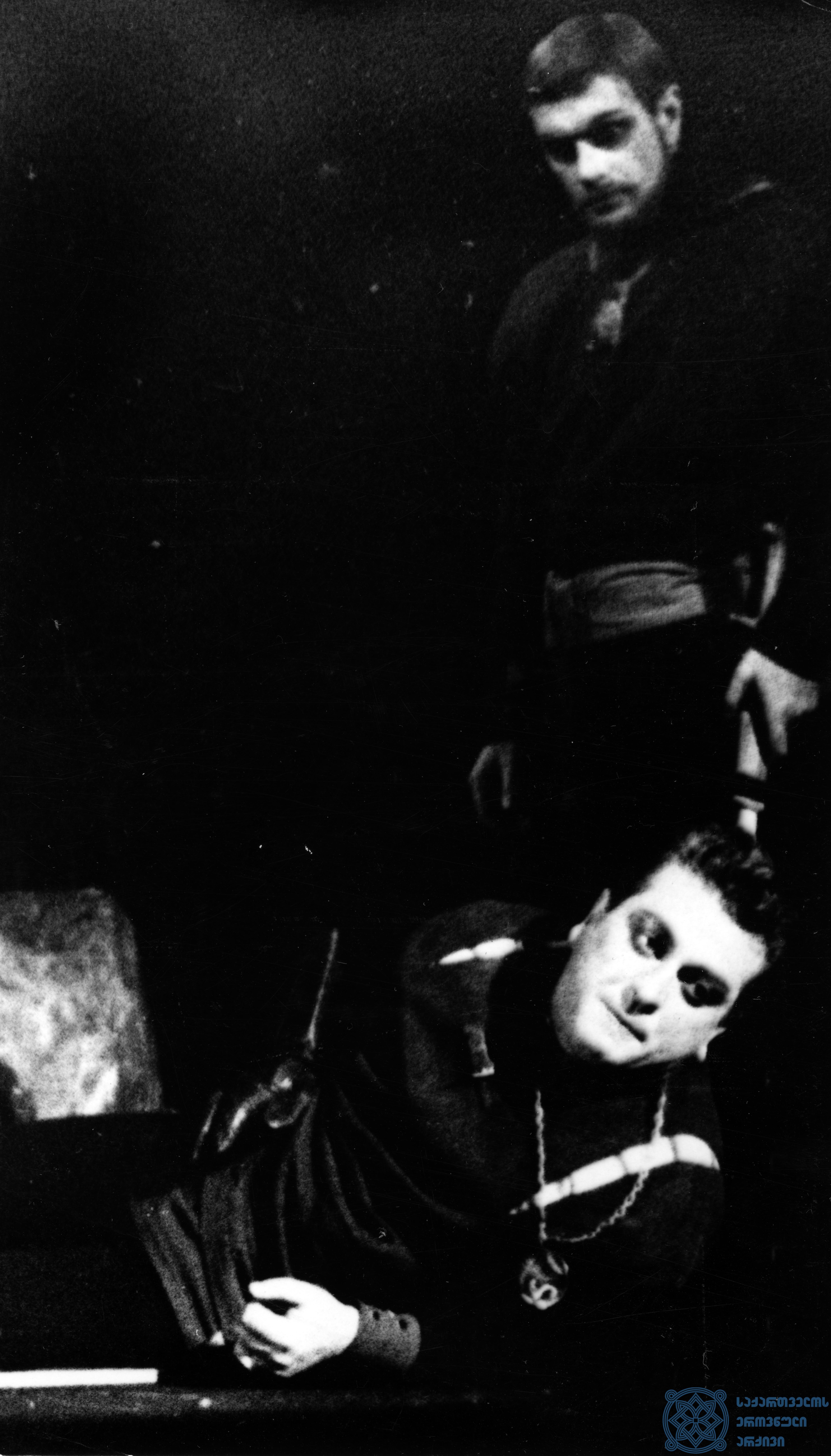 """რუსთაველის სახელობის აკადემიური თეატრის სპექტაკლი """"მეფე ლირი"""".  <br> ედმონტი – რამაზ ჩხიკვაძე.  <br> 1966 წელი.<br> The Rustaveli Academic Theater performance """"King Lear"""".<br> Ramaz Chkhikvadze as Edmont.<br> 1966."""