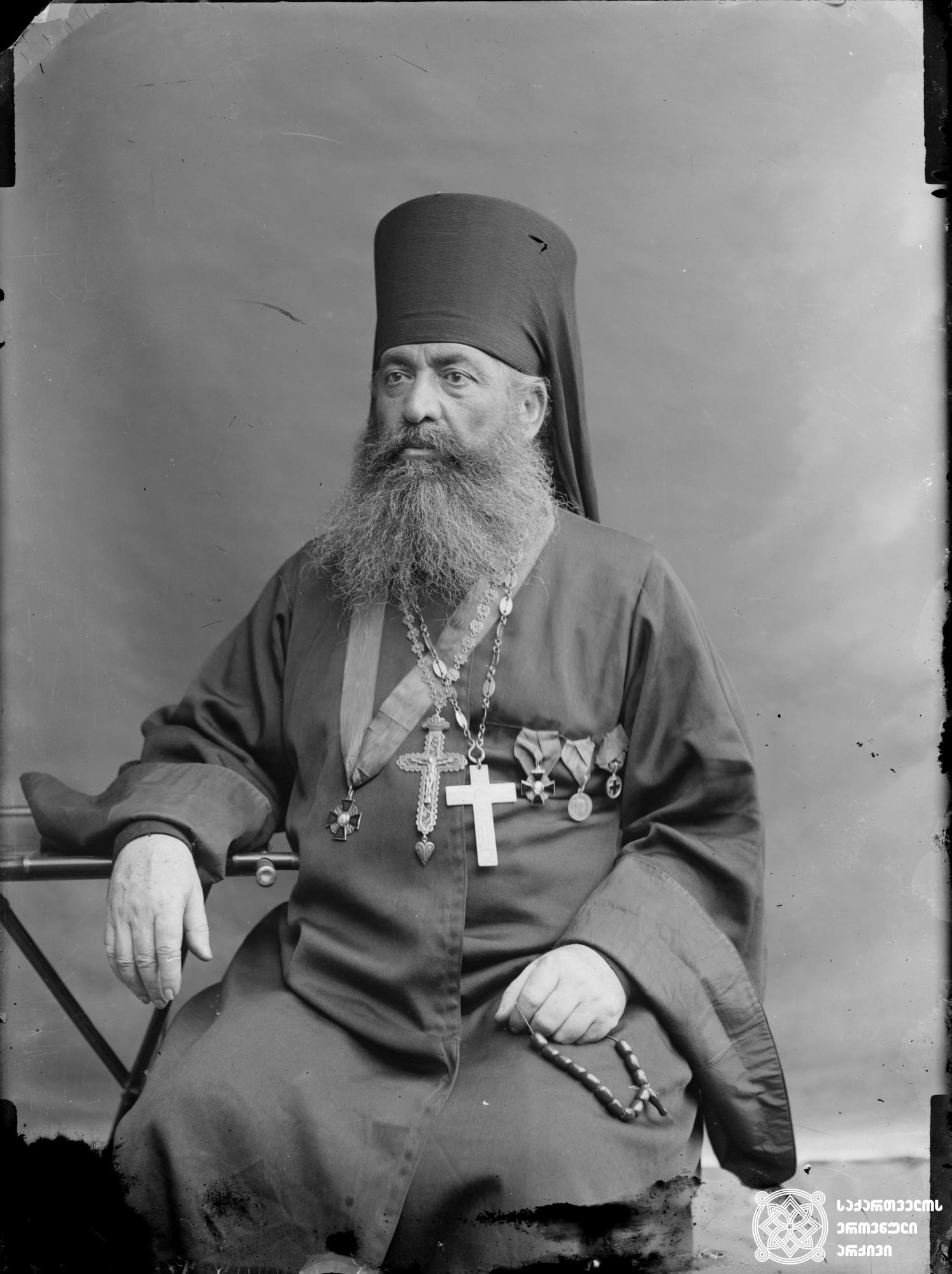დეკანოზი გაბრიელ ცაგარეიშვილი (1860-1929). <br> მინის ნეგატივი 12X16. <br> Archpriest Gabriel Tsagareishvili (1860-1929). <br> Glass negative 12X16. <br>