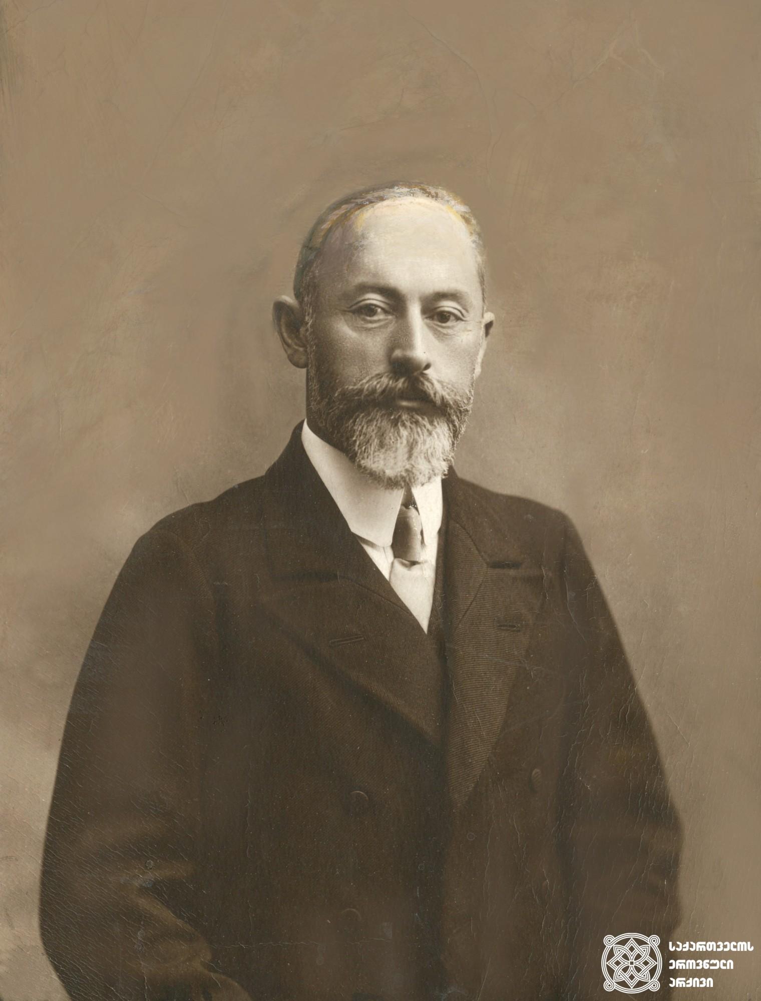 საქართველოს მთავრობის თავმჯდომარე ნოე ჟორდანია. <br> 1918-1921 წლები. <br> Noe Zhordania, the Chairman of the Government of Georgia. <br> 1918-1921.