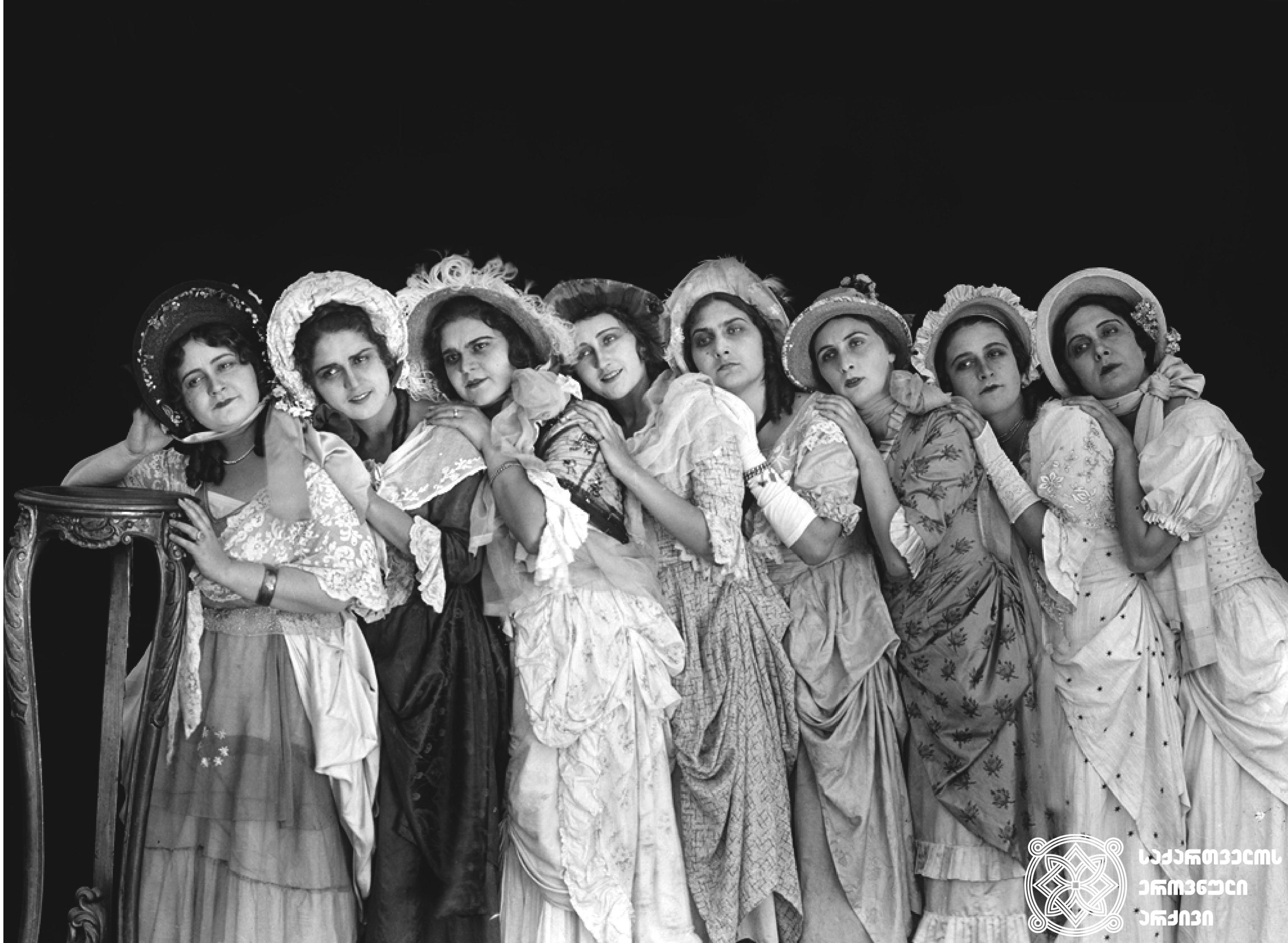 """მხატვრული ფილმი """"ხანუმა"""", გადასაღები მოედანი.  <br>რეჟისორი: ალექსანდრე წუწუნავა, 1926  <br> Feature film """"Khanuma"""", filming location.  <br>Director: Aleksandre Tsutsunava, 1926"""